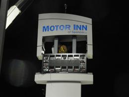 Motor Inn Sign Install4