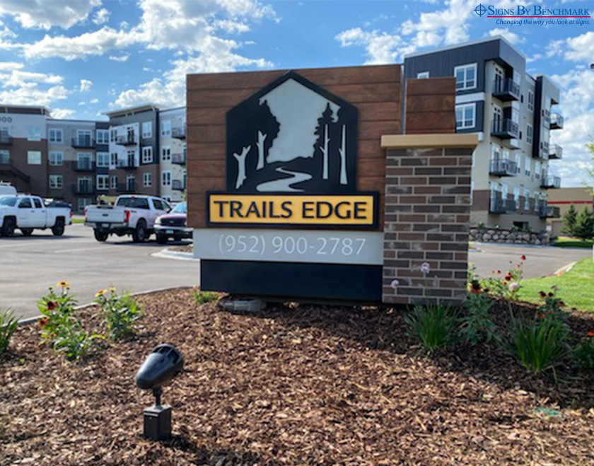 trails_edge_foam_core_sign_meets_budget